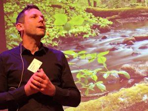 Johan Hammar visade upp ett sprakande batteri av bilder över vackra vattenmiljöer.