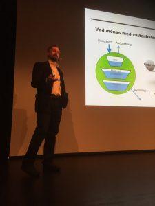 Niclas Hjerdt redogjorde för SMHI:s nya tjänst där du ges en bild aktuell vattenbalans.